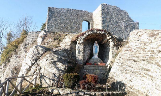 chiusi-della-verna-castello-cattani3
